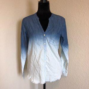 3/$30🌻Soft Joie Ombré Button Up Shirt